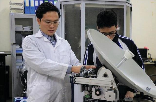 Việt Nam lần đầu tiên chế tạo trạm thu di động tín hiệu vệ tinh - 1