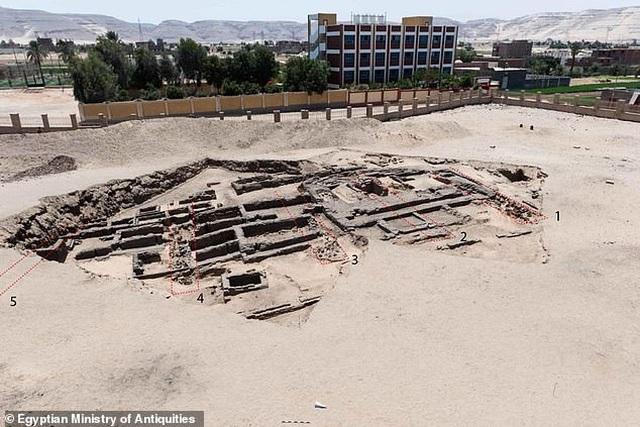 Tìm thấy xưởng ủ bia 5.000 năm tuổi quy mô lớn - 4