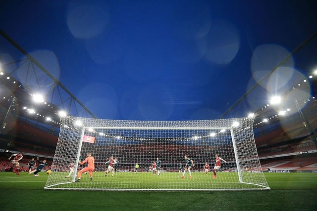 Aubameyang thăng hoa rực rỡ, Arsenal vượt mặt Leeds - 10