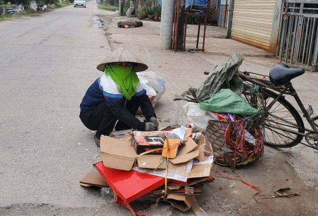 Nhiều người lao động làm việc xuyên ngày Tết - 1