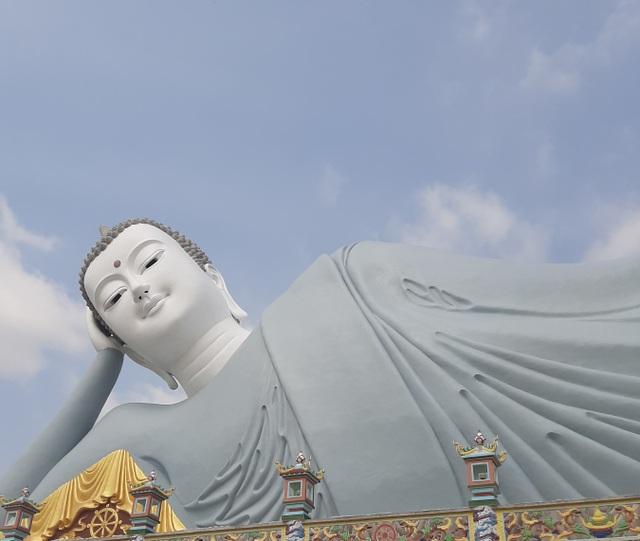 Cận cảnh chùa trăm tuổi, có tượng Phật nằm khổng lồ độc nhất Việt Nam - 6