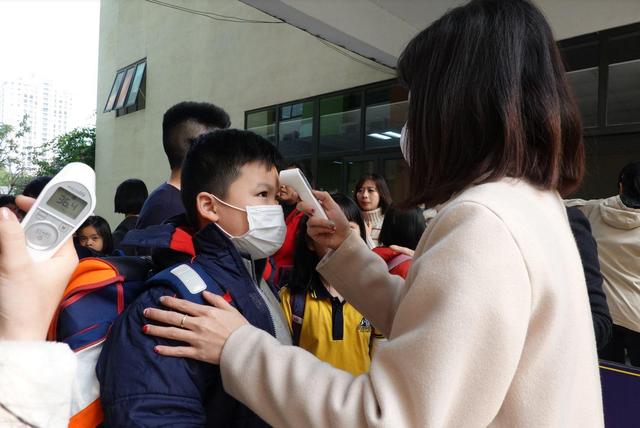 Hà Nội cho học sinh nghỉ học đến hết tháng 2