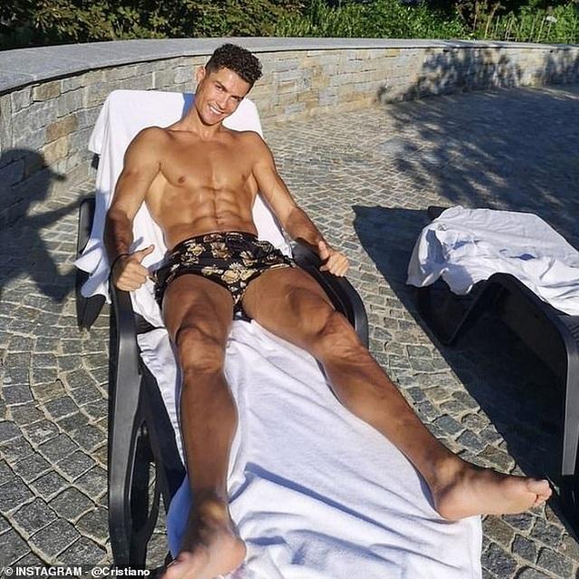 Tại sao nửa tỷ tài khoản mạng xã hội theo dõi Cristiano Ronaldo? - 6