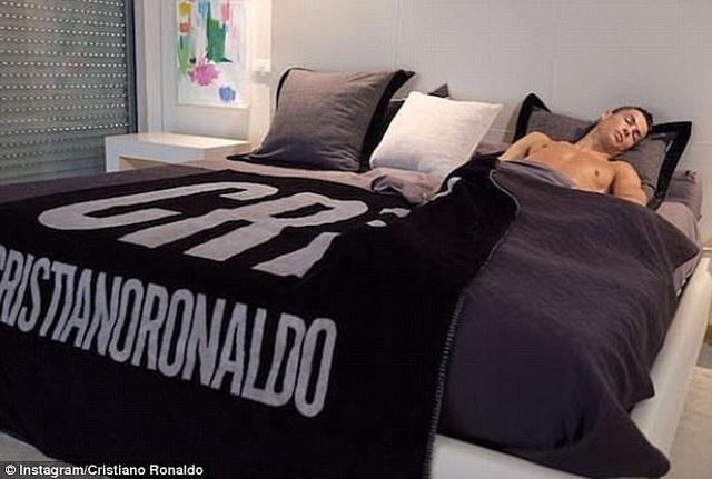 Tại sao nửa tỷ tài khoản mạng xã hội theo dõi Cristiano Ronaldo? - 7