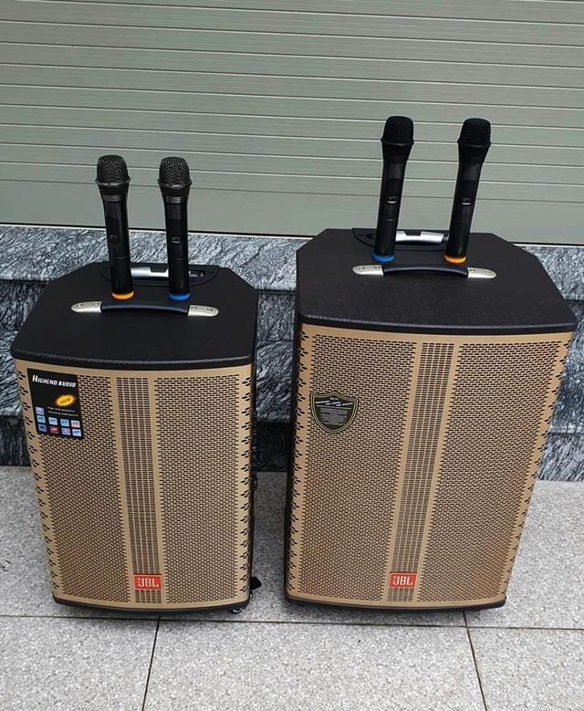 Dân ở nhà tránh dịch, thiết bị karaoke tại gia cháy hàng đầu năm mới - 2