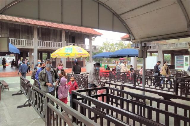 Du lịch Ninh Bình thu khoảng 32 tỷ đồng dịp Tết Nguyên đán 2021 - 3