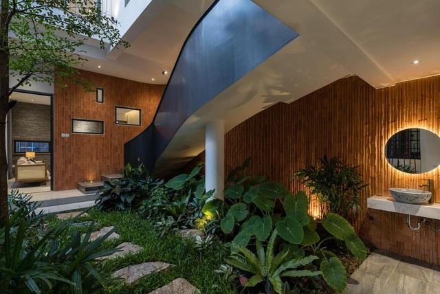 Nhà vườn 100 m2, cản khói bụi ngập cây xanh giữa Sài Gòn sầm uất - 3