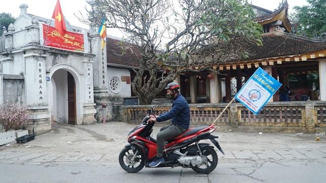 Loa phường nhắc nhở, hàng quán ở Hà Nội lắp vách ngăn, bán mang về - 9