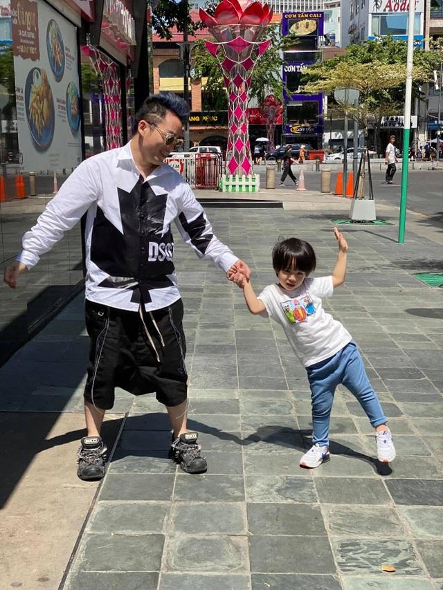 Tùng Dương thừa nhận mắc nợ bà xã lớn hơn tuổi - 2