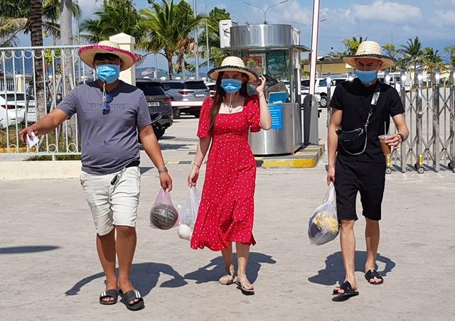 Khánh Hòa: Doanh thu du lịch ước đạt hơn 800 tỷ đồng trong 3 tháng đầu năm - 1
