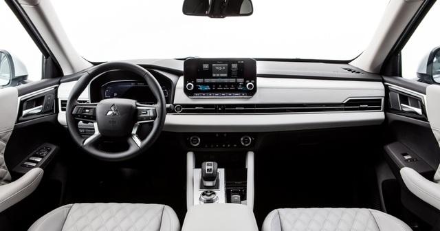 Mitsubishi Outlander 2022 ghi điểm về thiết kế, bị trừ điểm động cơ - 5