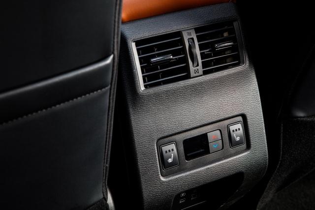 Mitsubishi Outlander 2022 ghi điểm về thiết kế, bị trừ điểm động cơ - 45