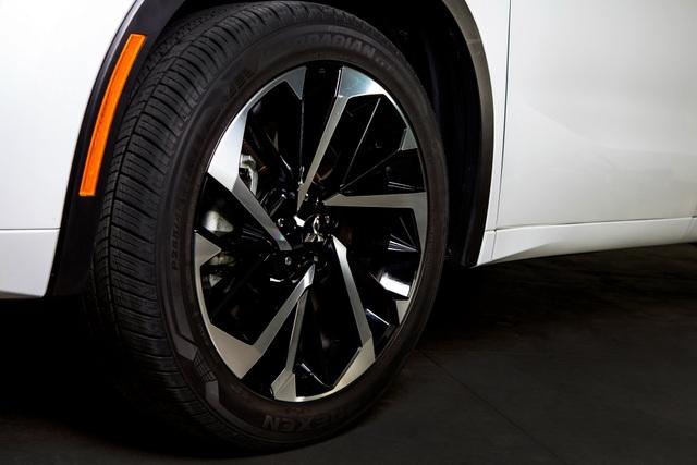Mitsubishi Outlander 2022 ghi điểm về thiết kế, bị trừ điểm động cơ - 16
