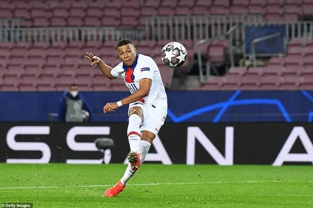 Barcelona 1-4 PSG: Cú hattrick của Mbappe - 12