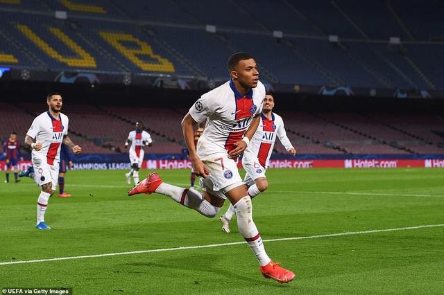 Barcelona 1-4 PSG: Cú hattrick của Mbappe - 11