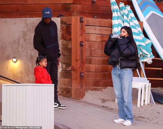 Kylie Jenner lại tái ngộ bồ cũ Travis Scott - 3