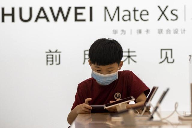 Vì sao Huawei vẫn chưa từ bỏ mảng smartphone? - 2