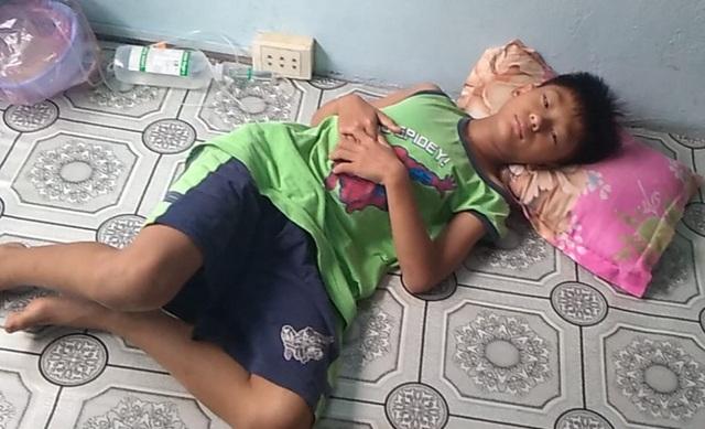 Ngày Tết, mẹ nghèo chỉ mong có tiền cho con nhập viện - 5
