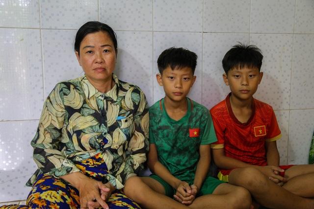 Ngày Tết, mẹ nghèo chỉ mong có tiền cho con nhập viện - 2