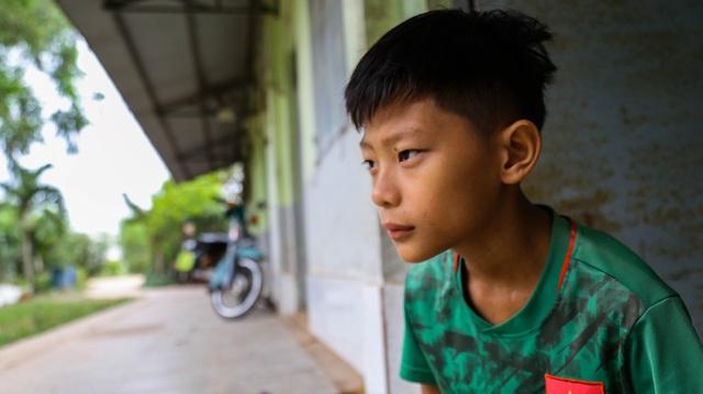 Ngày Tết, mẹ nghèo chỉ mong có tiền cho con nhập viện - 7