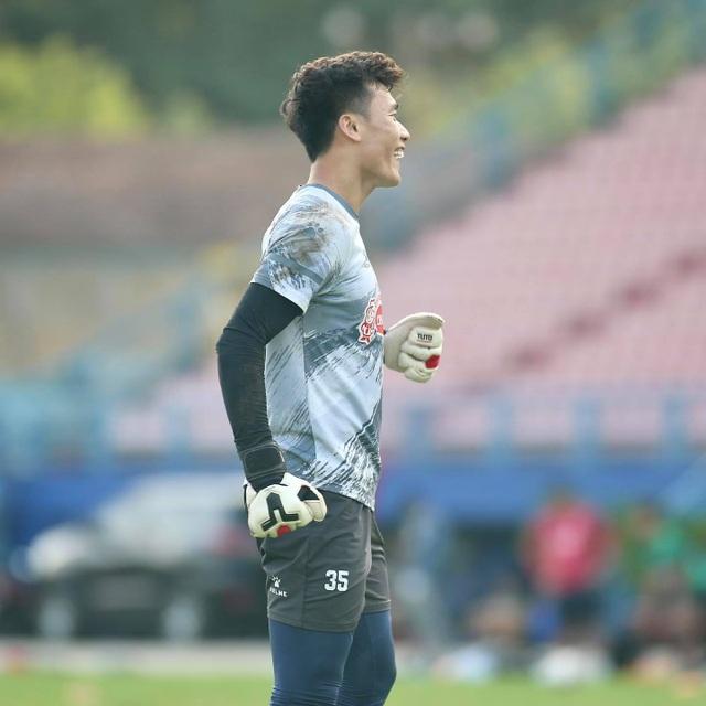 Lee Nguyễn trở lại tập luyện, mừng vì không bị phạt do tăng cân - 8