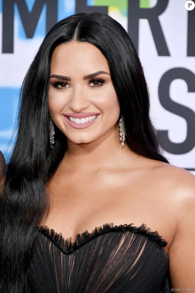 Demi Lovato từng đột quỵ và đau tim sau khi sốc thuốc - 2