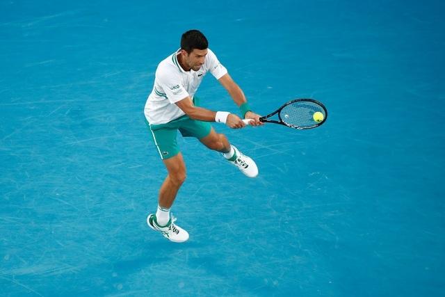 Australian Open: Djokovic loại hiện tượng Karatsev, tiến vào chung kết - 5