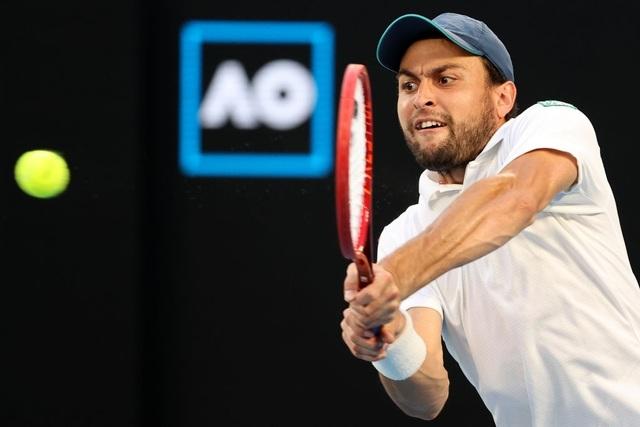 Australian Open: Djokovic loại hiện tượng Karatsev, tiến vào chung kết - 6