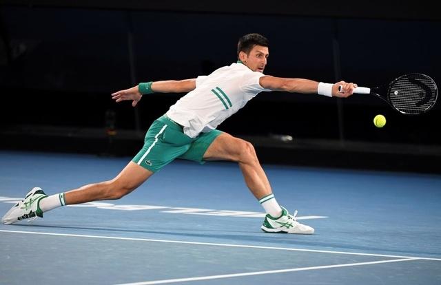 Australian Open: Djokovic loại hiện tượng Karatsev, tiến vào chung kết - 2