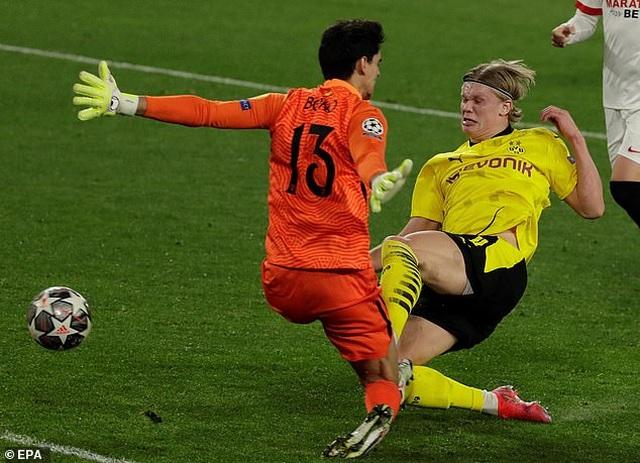 Erling Haaland tỏa sáng, Dortmund ngược dòng đánh bại Sevilla - 3