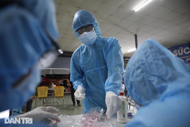 Hà Nội tiêm vắc xin ngừa Covid-19 cho 95% người dân trên 18 tuổi - 1