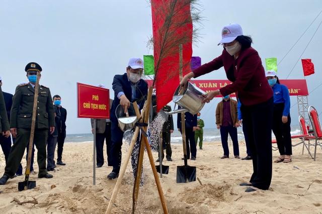 Phó Chủ tịch nước phát động Tết trồng cây đời đời nhớ ơn Bác Hồ - 3