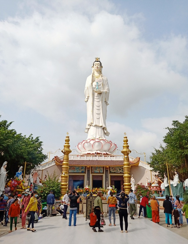 The highest statue of Guan Yin in the West, going more than 50 new steps to the foot of the statue - 1
