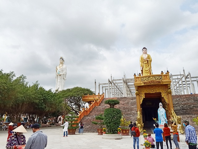 The tallest statue of Guan Yin in the West, going more than 50 steps to the foot of the statue - 7