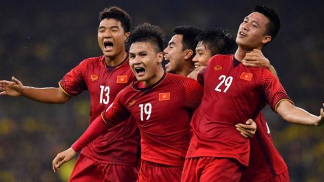 Thái Lan vẫn bị đội tuyển Việt Nam bỏ xa trên bảng xếp hạng FIFA - 1