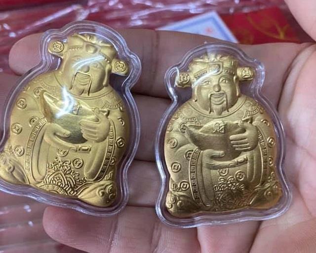 Thần Tài, trâu vàng Trung Quốc tràn sang chợ Việt giá siêu rẻ, 10.000 đồng/sản phẩm - 2