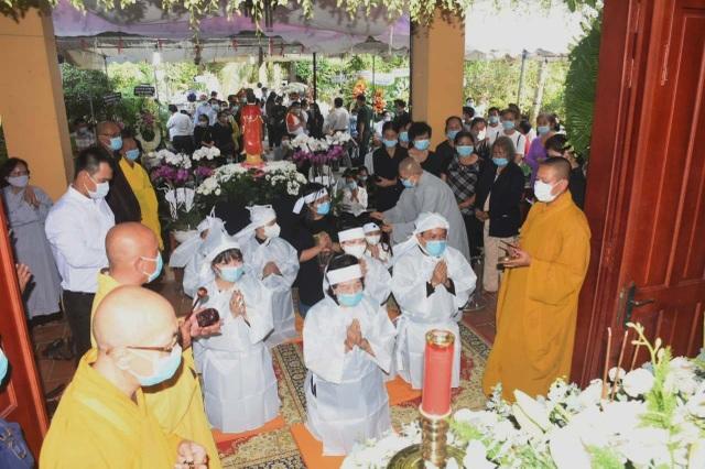 Người dân viếng nguyên Phó Thủ tướng Trương Vĩnh Trọng tại quê nhà - 4