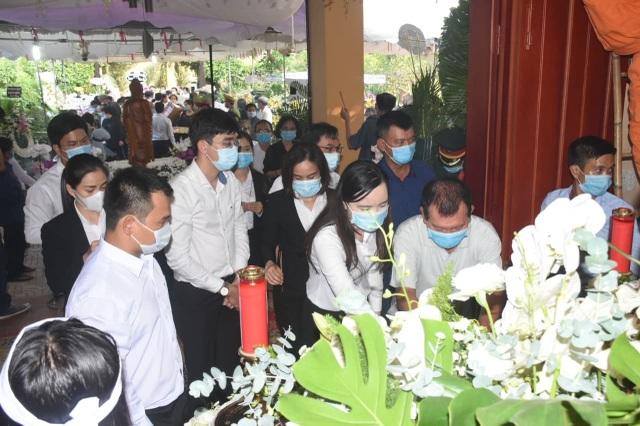 Người dân viếng nguyên Phó Thủ tướng Trương Vĩnh Trọng tại quê nhà - 6