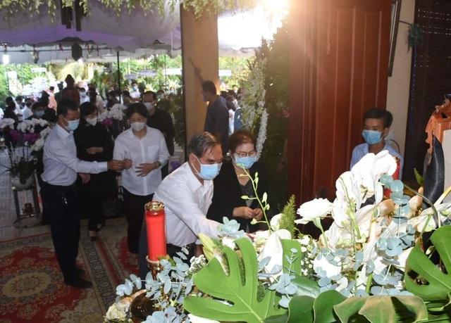 Người dân viếng nguyên Phó Thủ tướng Trương Vĩnh Trọng tại quê nhà - 2