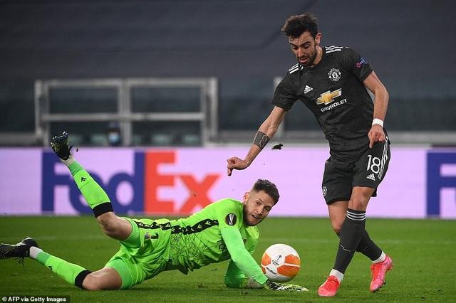 Bruno Fernandes lập cú đúp, Man Utd vùi dập tưng bừng Real Sociedad - 1
