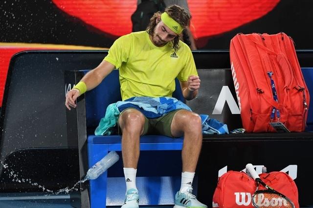 Australian Open: Vượt qua Tsitsipas, Medvedev tranh cúp bạc với Djokovic - 4