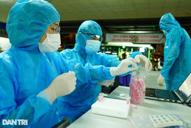 Biến thể của SARS-CoV-2 nguy cơ kháng thuốc, kháng vắc xin - 5