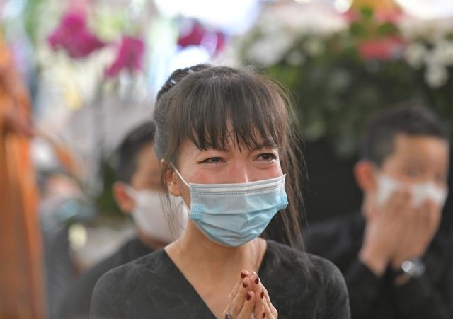 Người dân viếng nguyên Phó Thủ tướng Trương Vĩnh Trọng tại quê nhà - 9