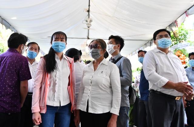 Người dân viếng nguyên Phó Thủ tướng Trương Vĩnh Trọng tại quê nhà - 10