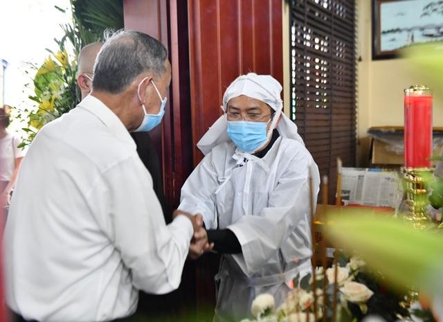 Người dân viếng nguyên Phó Thủ tướng Trương Vĩnh Trọng tại quê nhà - 8