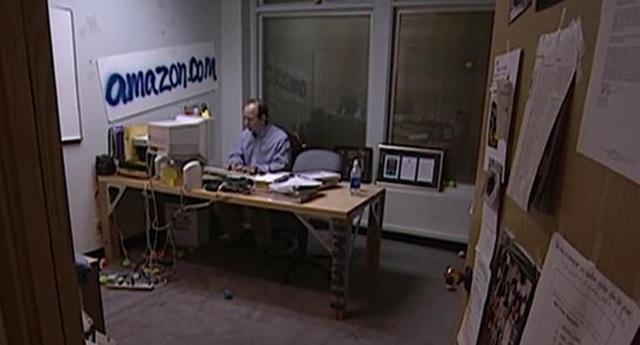 Jeff Bezos đã đưa Amazon từ cửa hàng sách thành đế chế công nghệ thế nào? - 2
