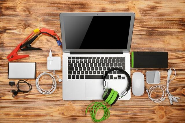 Laptop, webcam bán chạy gấp 5 lần do dịch Covid-19 bùng phát tại Việt Nam - 2