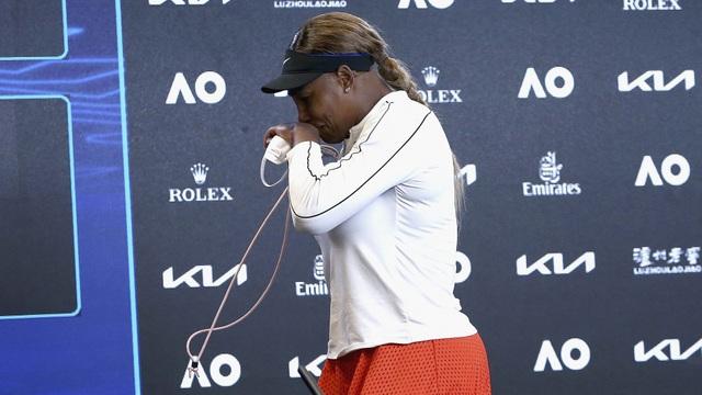 Thấy gì sau khi Serena Williams rời Australian Open trong nước mắt? - 3