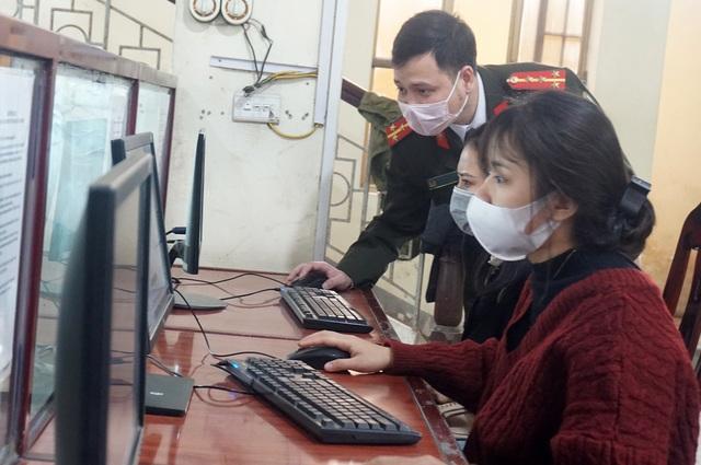 Lao động Nghệ An làm giấy thông hành đi Lào giảm 98% so với mọi năm - 4