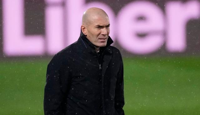 Real Madrid hứng chịu cú sốc khi mất gần một đội hình - 2